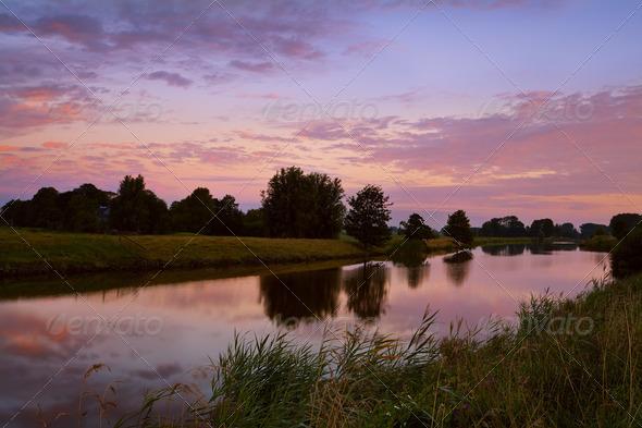 PhotoDune sunrise on river in Groningen 4102055